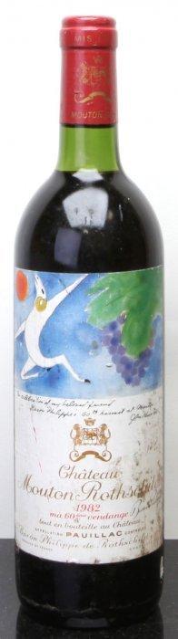 9: Chateau Mouton Rothschild 1982  Pauillac bsl Bottle