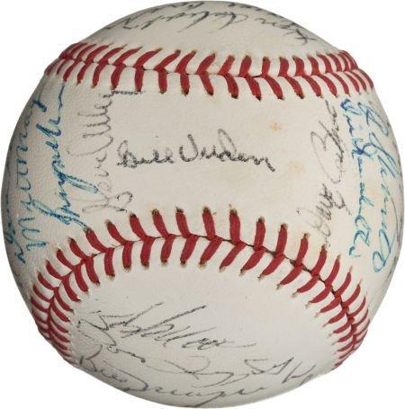 80969: 1971 Pittsburgh Pirates Team Signed Baseball.