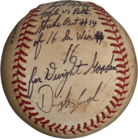 80981: 1984 Dwight Gooden Ties Rookie Strike Out Record