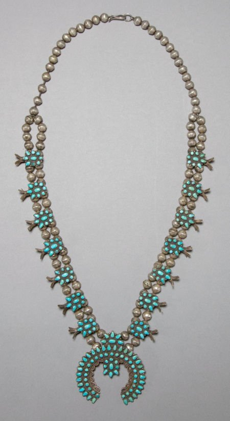 50008: A ZUNI SILVER AND TURQUOISE NECKLACE c. 1950