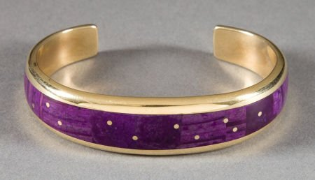 50022: A NAVAJO GOLD AND LAVULITE BRACELET Ray Tracey c