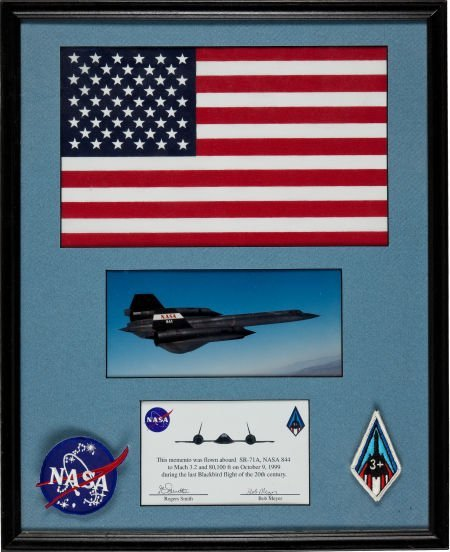 40008: SR-71A Blackbird (#61-7980): Large American Flag