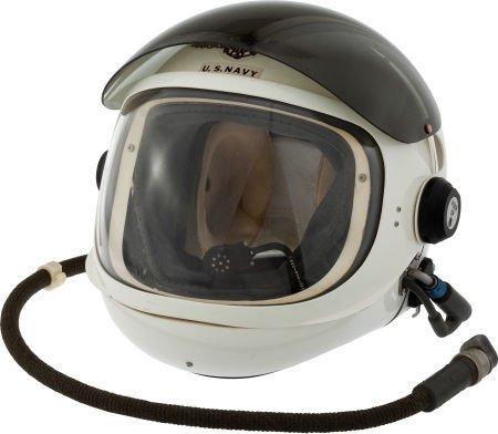 40010: Navy HGU-20/P Clamshell Flight Helmet.