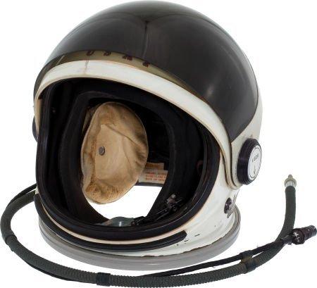 40013: Air Force HGK-13 Full-Pressure Helmet as Used in