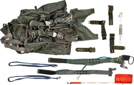 40023: Military Aviation Accessory Collection.