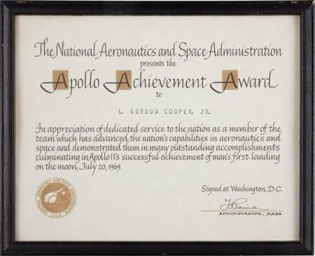 40124: Gordon Cooper: NASA Apollo Achievement Award fro