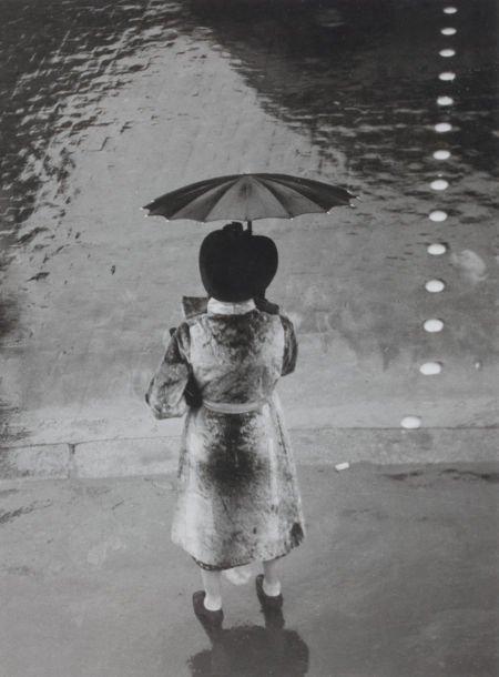 89032: BRASSAÏ (French, 1899-1984) La Femme au Paraplui