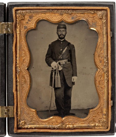 52022: Very Fine Quarter Plate Tintype Of Civil War US