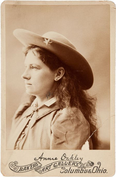 44004: Annie Oakley: An Early Cabinet Photo with Facsim