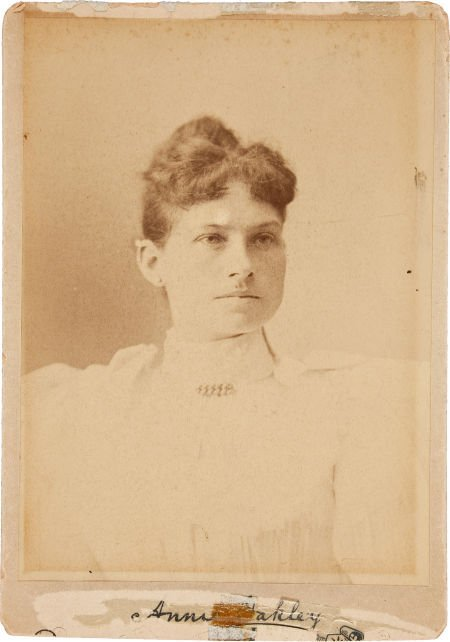 44008: Annie Oakley: An Early Cabinet Photo with Facsim