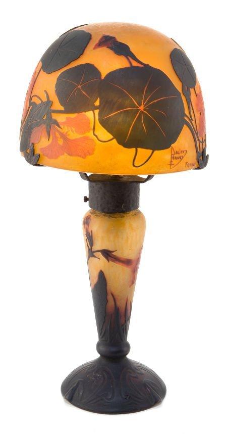 89012: A DAUM CAMEO GLASS LAMP WITH SHADE  Daum Frères,