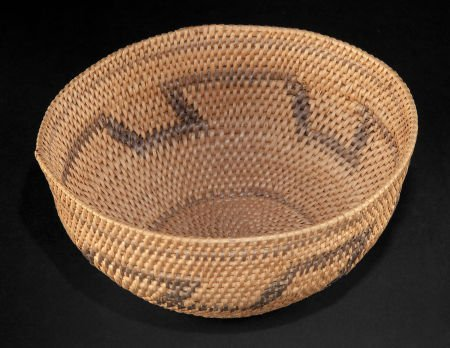 86503: A SOUTH AFRICAN SMALL WOVEN BASKET   Zulu, early