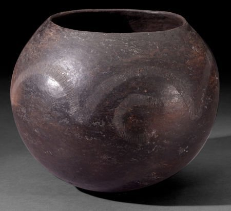86508: A SOUTH AFRICAN CLAY BEER POT  Zulu, early 20th