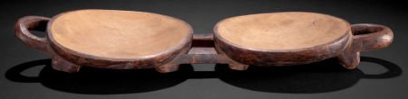 86511: A SOUTH AFRICAN CARVED WOOD DOUBLE MEAT DISH  Zu