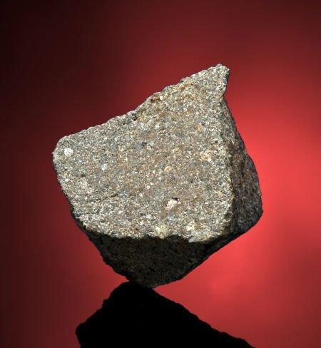 49013: ZUNHUA METEORITE - LARGE FRAGMENT THAT PUNCTURED