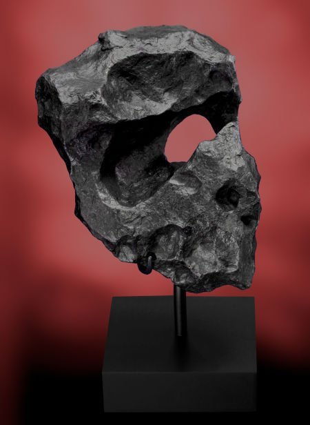 49015: CANYON DIABLO METEORITE - WITH NATURALLY FORMED
