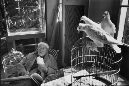 74023: HENRI CARTIER-BRESSON (French, 1908-2004) Henri