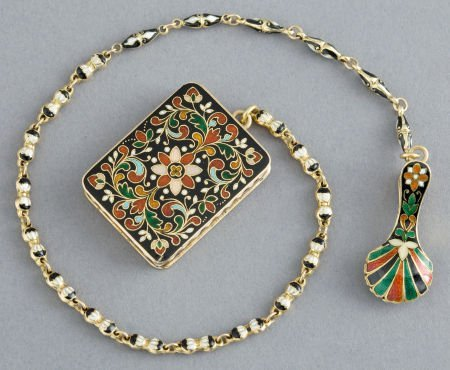 68020: A CONTINENTAL 18K GOLD AND ENAMEL VINAIGRETTE WI