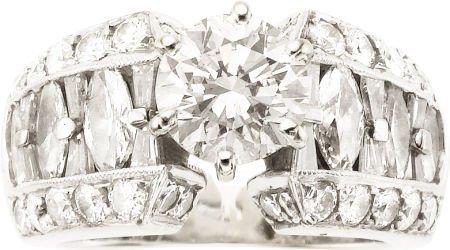 58011: Diamond, White Gold Ring