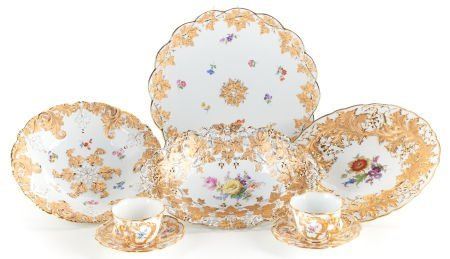 89190: AN EIGHT PIECE GROUP OF MEISSEN PORCELAIN   20th