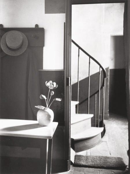 74002: ANDRÉ KERTÉSZ (Hungarian, 1894-1985) Chez Mondri