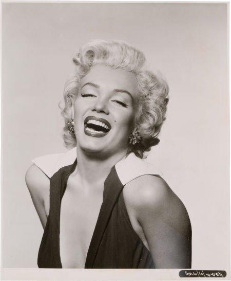 46010: A Marilyn Monroe Classic Black and White Headsho