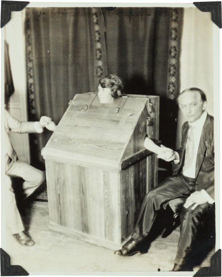 36014: [Harry Houdini, association]. Dr. Daniel Frost C