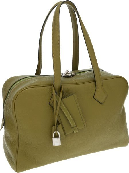 56022: Hermes Vert Chartreuse Clemence Leather Victoria