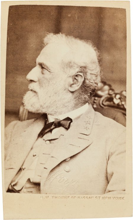 32006: Close-up Carte de Visite Portrait of Robert E. L