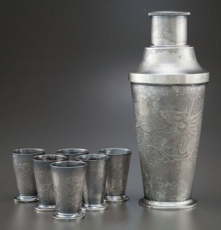 68011: A CHINESE EXPORT SILVER COCKTAIL SHAKER AND SIX