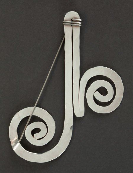 68088: AN ALEXANDER CALDER SILVER AND STEEL WIRE PIN  A