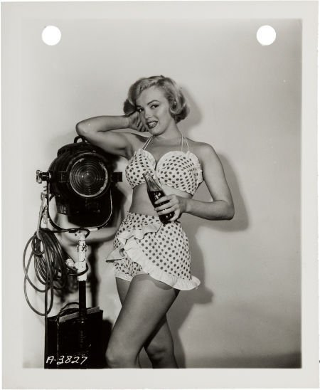 46014: A Marilyn Monroe Small Black and White Publicity