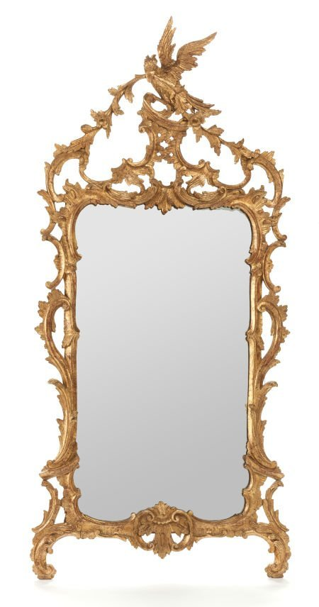 62003: A CHIPPENDALE-STYLE GILT WOOD MIRROR 20th centur