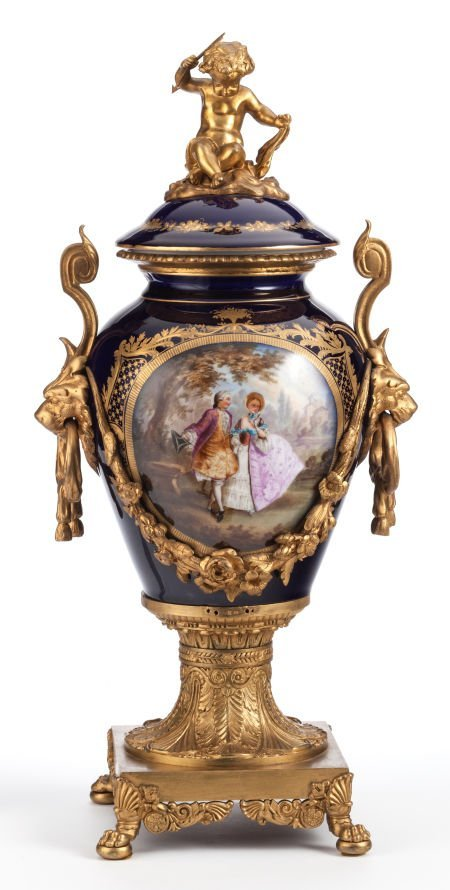 62012: A SEVRES-STYLE PORCELAIN AND GILT BRONZE COVERED