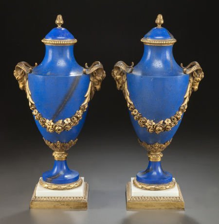 62013: A PAIR OF LOUIS XVI-STYLE FAUX LAPIS AND GILT BR