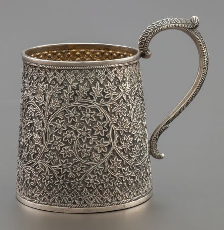 68017: AN INDIAN SILVER AND SILVER GILT HANDLED CUP  Ci