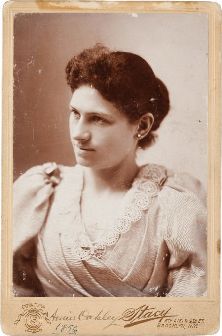 44003: Annie Oakley: A Signed Cabinet Photo of a Very F