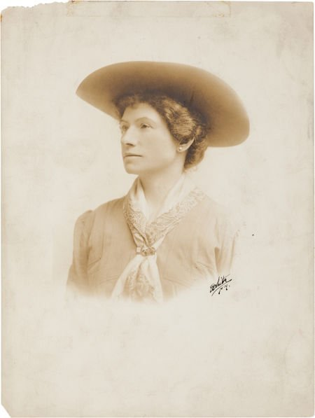 44007: Annie Oakley: Oversized Signed Photograph as The
