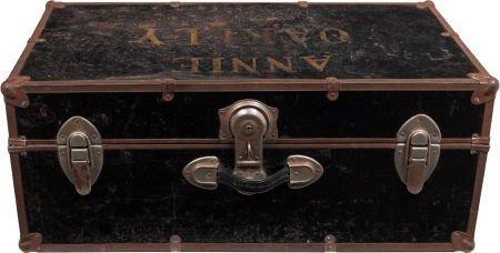 44022: Annie Oakley: Travel Trunk.