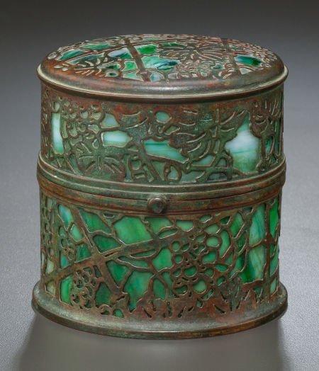89009: RARE TIFFANY STUDIOS GLASS AND BRONZE GRAPEVINE