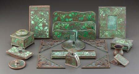 89011: TIFFANY STUDIOS SIXTEEN PIECE GLASS AND BRONZE G
