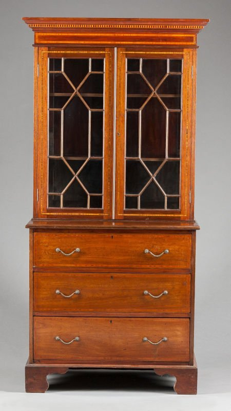 62564: A GEORGIAN MAHOGANY SECRETARY BOOKCASE 20th cent