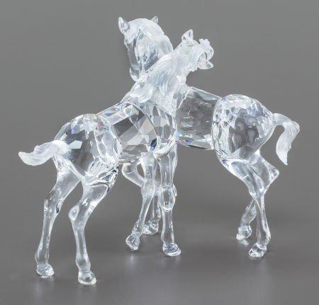 63030: A SWAROVSKI CRYSTAL DOUBLE HORSE FIGURINE IN ORI - 2