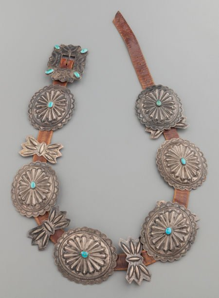 71008: A NAVAJO SILVER AND TURQUOISE CONCHO BELT c. 194