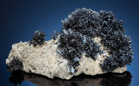 73016: STIBNITE Chashan Mine, Nandan Co., Hechi Prefect