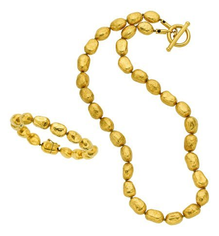 54011: Gold Jewelry Suite, Yossi Harari  The 24k gold R