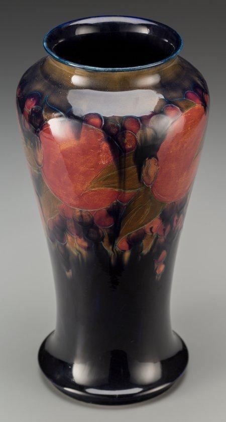 63211: A William Moorcroft Pottery Vase, Burslem (Stoke - 2