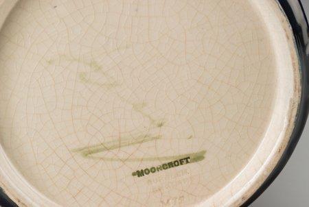 63211: A William Moorcroft Pottery Vase, Burslem (Stoke - 3