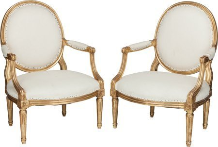 61173: A Pair of Louis XV-Style Giltwood Upholstered Fa