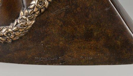 61337: An Erté Cold Painted Bronze Sculpture: Peace, ci - 3